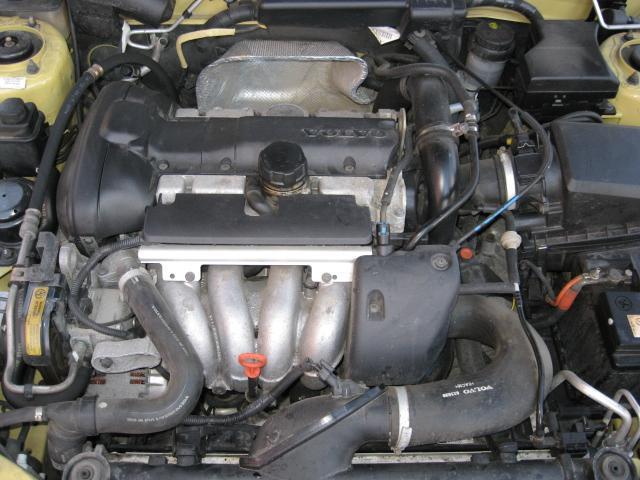 Volvo v40 turbo hinta